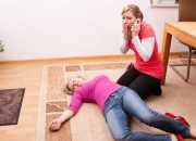 how to treat a heat stroke victim