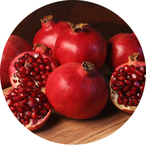 pomegranates-helps-glow-skin